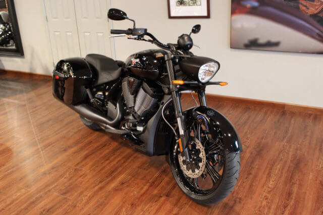 Victory MotorCycles Cross Roads 8-Ball