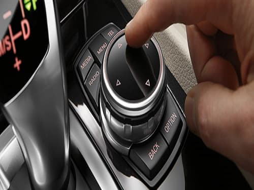 iDrive Touch Controller.