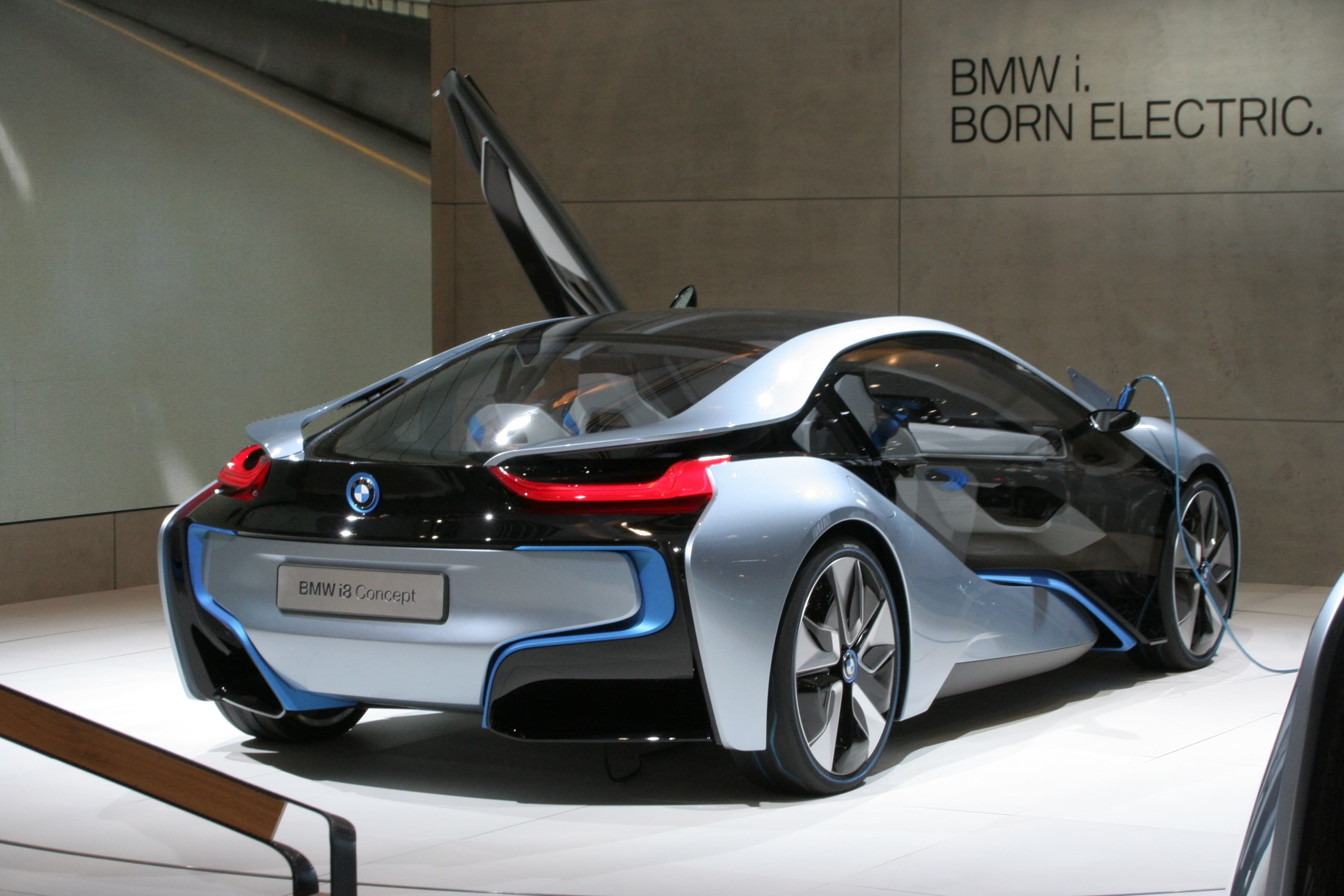 BMW i8 Price in India, Images, Specs, Mileage | AutoPortal.com
