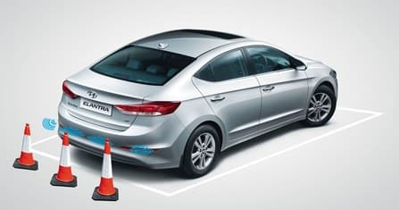 Hyundai Elantra Overview - Photo
