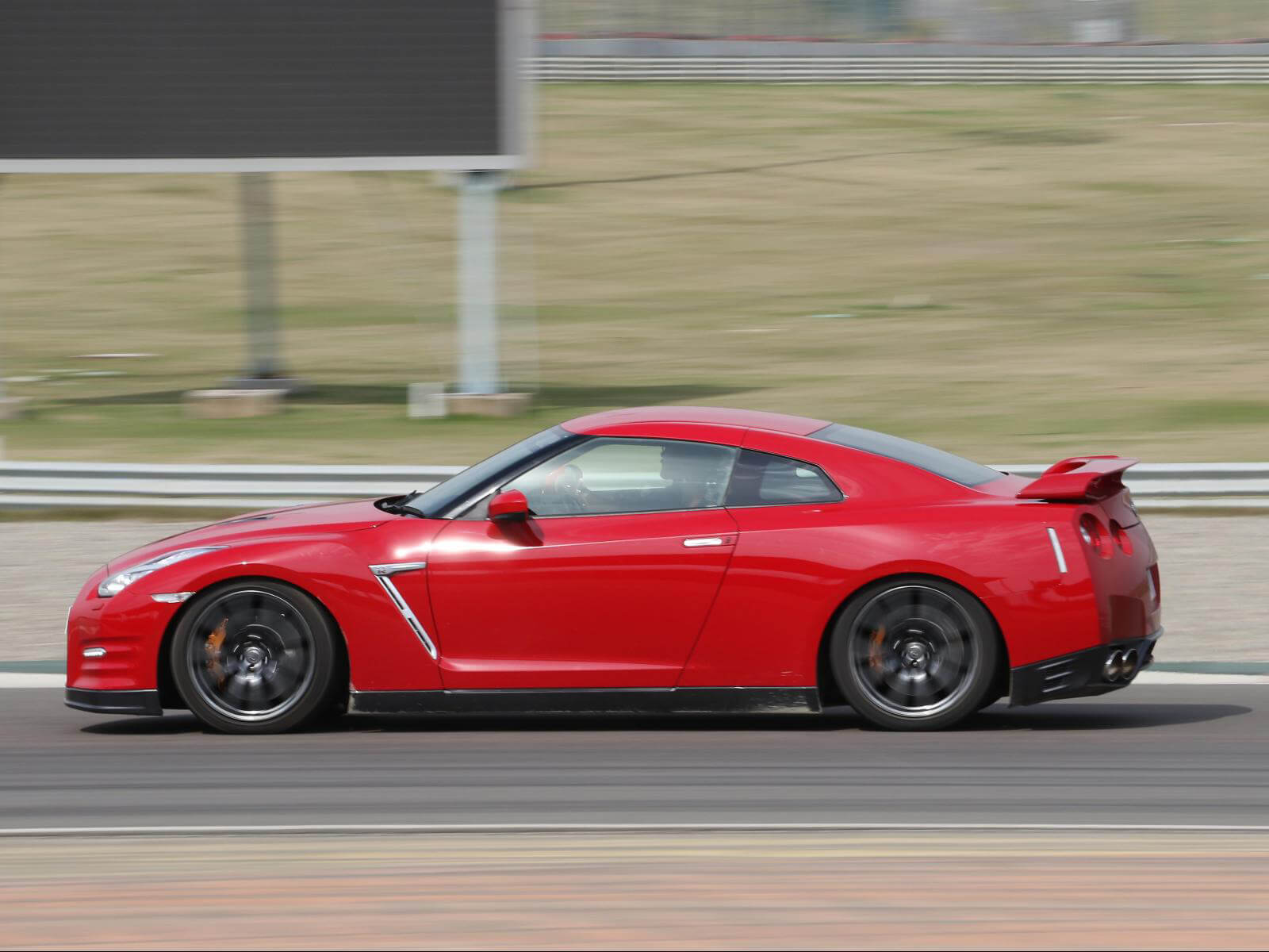 Nissan Gtr Wallpapers Free Download