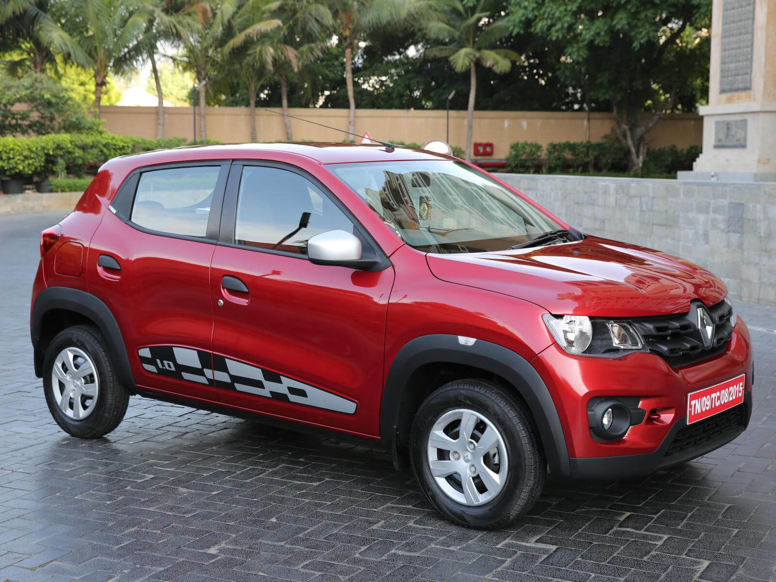 Renault Kwid 2015 2018 Wallpapers Free Download Climber Photos Photo Car 360 Degree View