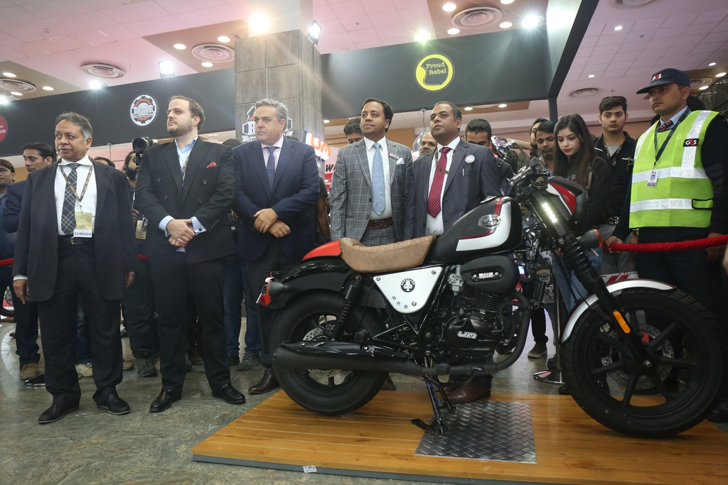 Auto Expo 2018: UM Lohia Two Wheelers launches e-cruiser 'Renegade Thor'
