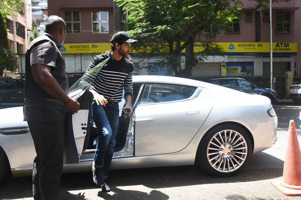 Hrithik Roshan Becomes Proud Owner Of Aston Martin Rapide S Autoportal Owners In India Mumbai