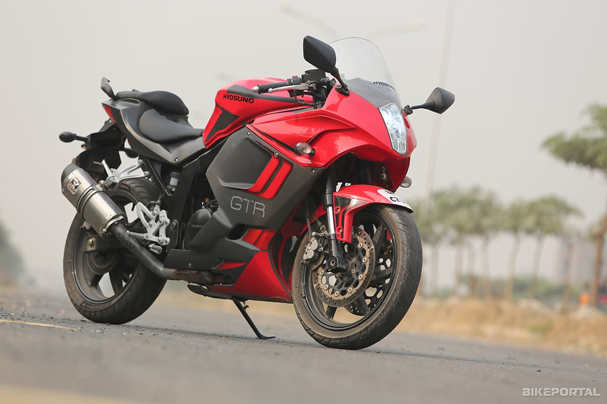 road test review hyosung gt250r test drives autoportal. Black Bedroom Furniture Sets. Home Design Ideas