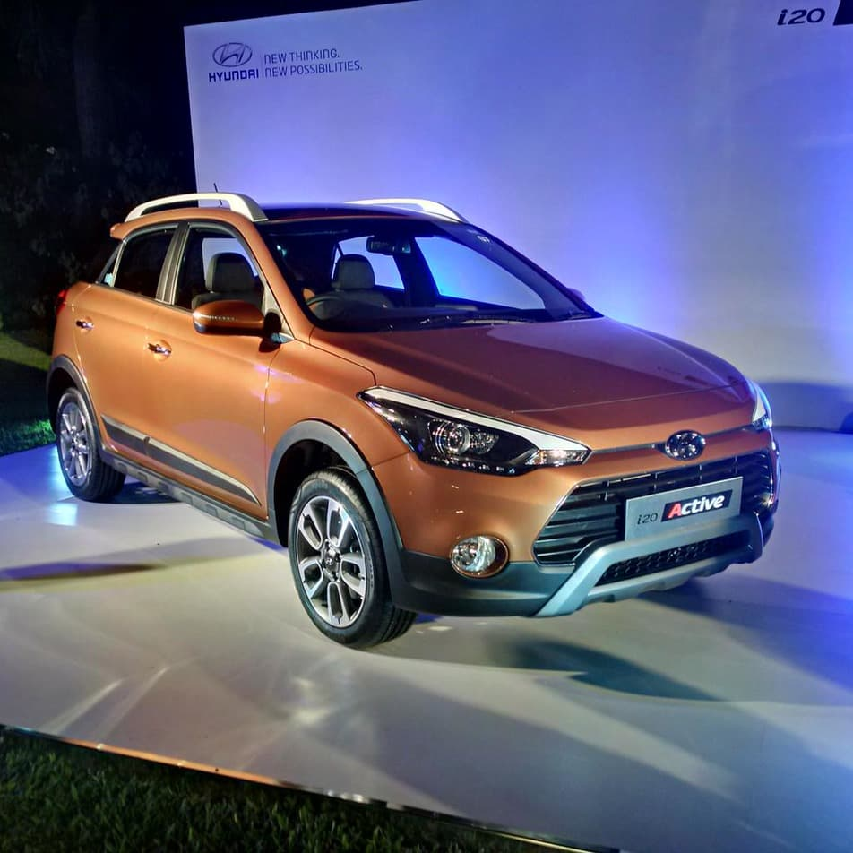 hyundai i20 active crossover officially revealed autoportal. Black Bedroom Furniture Sets. Home Design Ideas