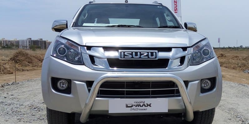 Isuzu DMax V-Cross - The Master Pickup